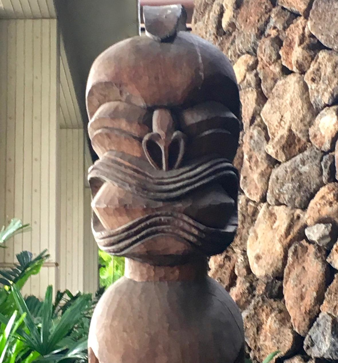 hawaii-god-carving